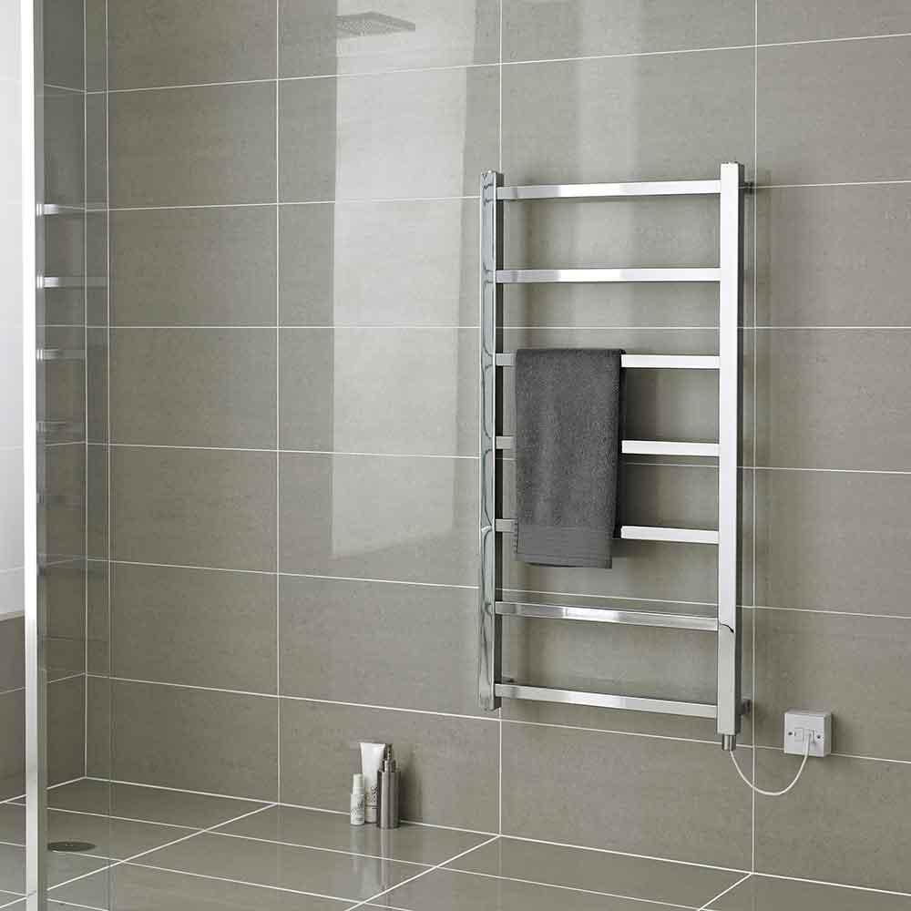 Электрический или водный полотенцесушитель современного дизайна